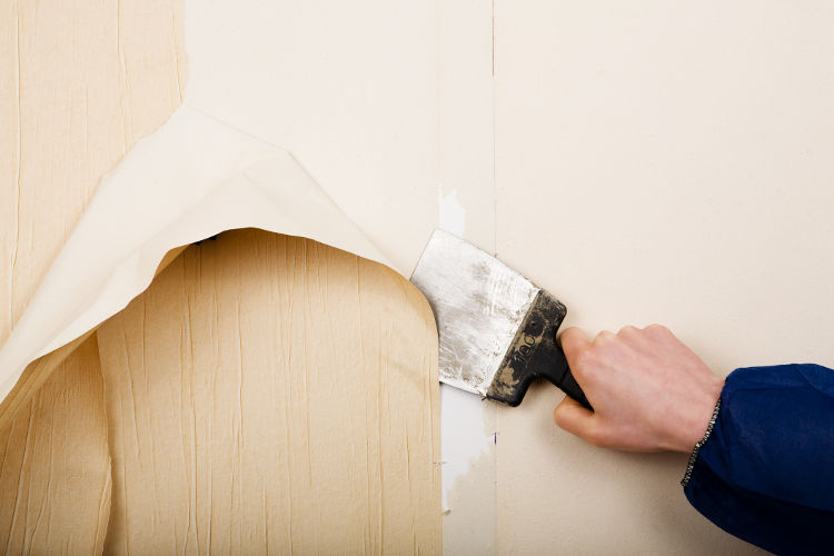 Produit nettoyant pour décoller de vieux papier peint