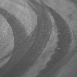 Détachant de traces de pneus / Nettoyant de traces de gomme sur béton et pavé