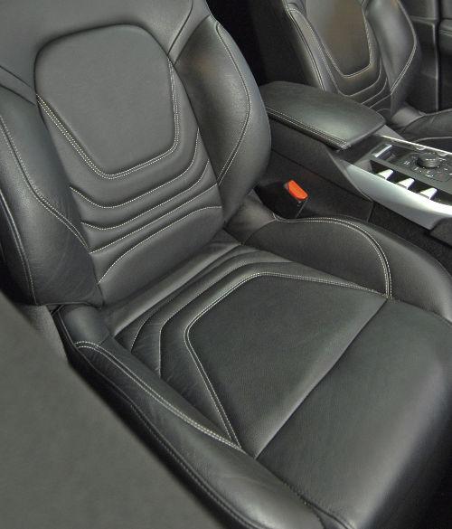 Mousse nettoyante pour tableau de bord et cuir de voiture / Nettoyant habitacle et tissu intérieur auto